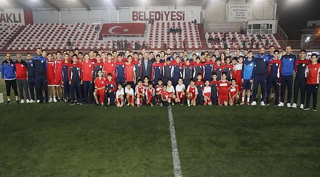 Bayraklı Belediyesi Futbol A Takımı sezonu açtı
