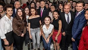 İzmir'de belediyeler güçlerini birleştirdi kız öğrenciler sevindi