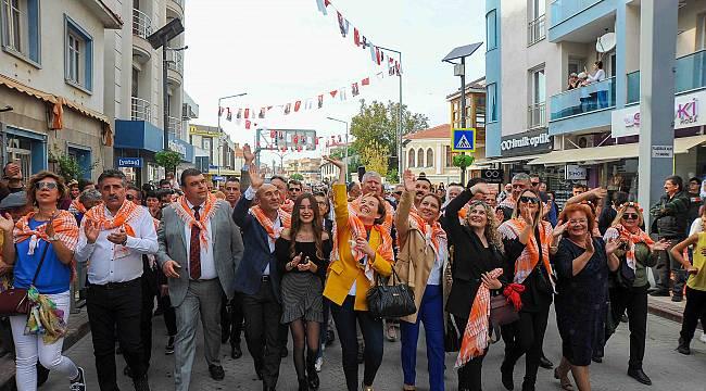 Seferihisar Turuncu Bayramı Coşkuyla Kutladı