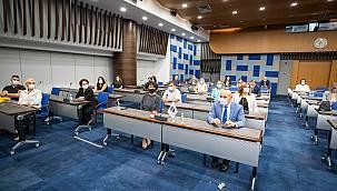 """Başkan Soyer """"İzmir İş Dünyası Kadının Güçlenmesi Başarı Ödülleri"""" töreninde konuştu:"""