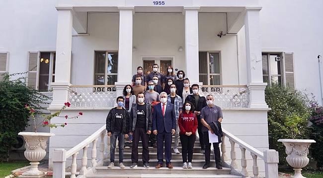 Rektör Budak'tan Ege Üniversiteli arama kurtarma ekibine teşekkür