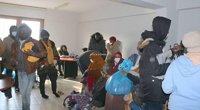 Foça açıklarında 31 kaçak göçmen kurtarıldı