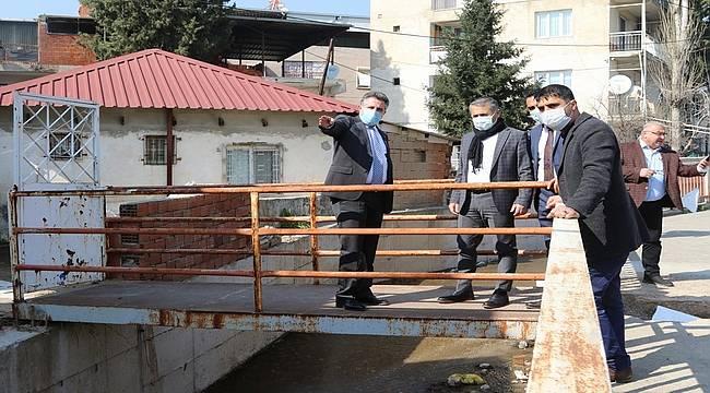 Başkan Sandal, sel felaketinin yaralarını sarıyor
