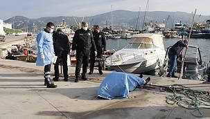Foça'da balıkçı barınağında erkek cesedi bulundu