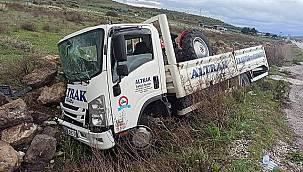 Foça girişinde trafik kazası 1 yaralı