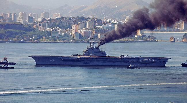 Asbestli olduğu iddia edilen uçak gemisi İzmir'e geliyor