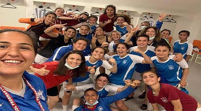 Konak Belediyesi Kadın Futbol Takımı çeyrek finalde