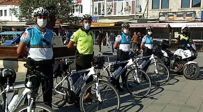 Yaz geldi! Foça'da bisikletli polisler göreve başladı