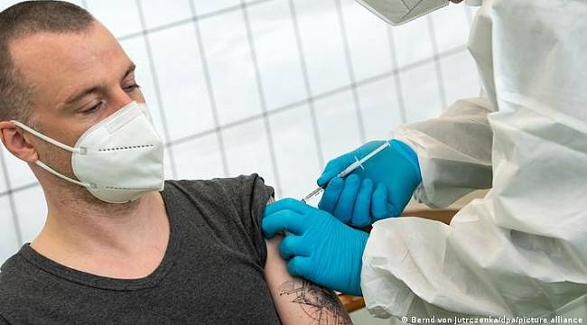 Araştırma: İki aşının kombine edilmesi daha fazla koruyor