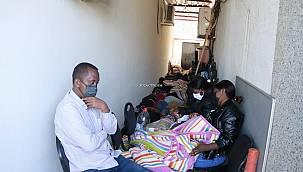 Yunanistan'ın geri ittiği 29 düzensiz göçmen kurtarıldı