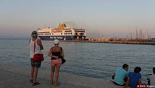 Delta varyantı: İngiltere gevşiyor, Yunanistan kısıtlıyor