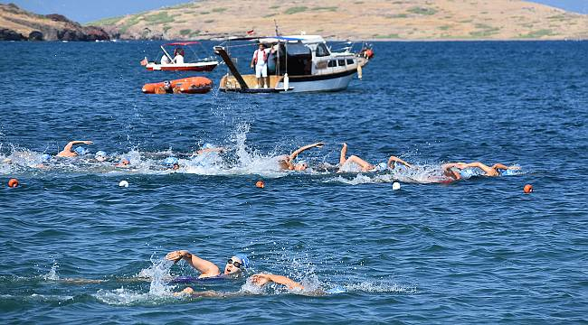 Foça'da Açık Su Yüzme Şampiyonası
