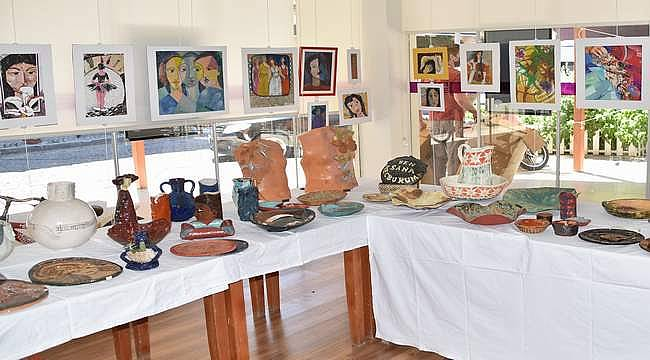 Foça Saklıbahçe Sanat Evi yeni sergisini açtı