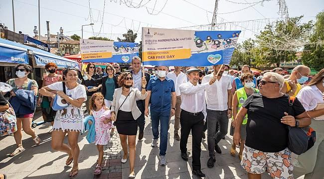 Başkan Tunç Soyer, Foçalıların yoğun ilgisiyle karşılaştı